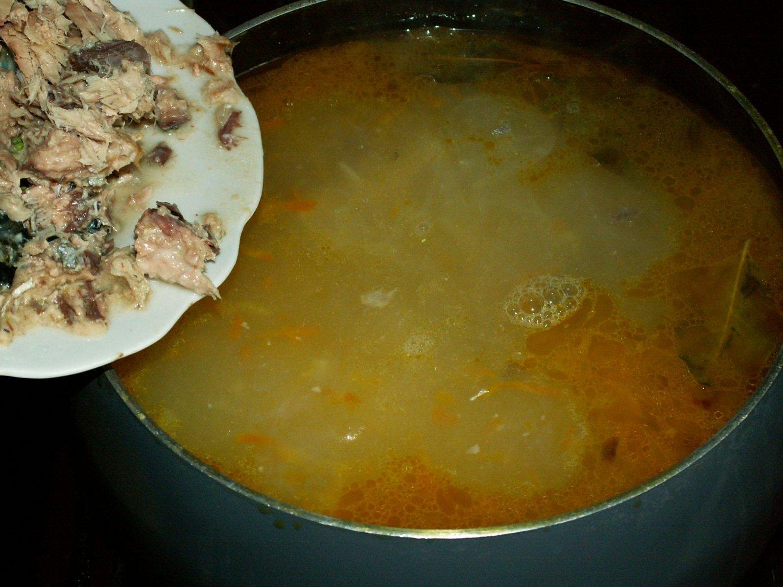 Как сварить суп из рыбной консервы скумбрия