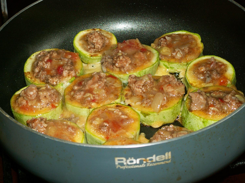 Как сделать кабачок с фаршем на сковороде 516